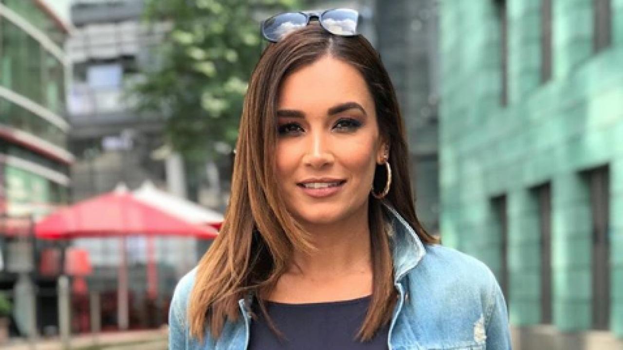 Jana Ina Zarrella Mit Neuer Frisur Karnaval Com