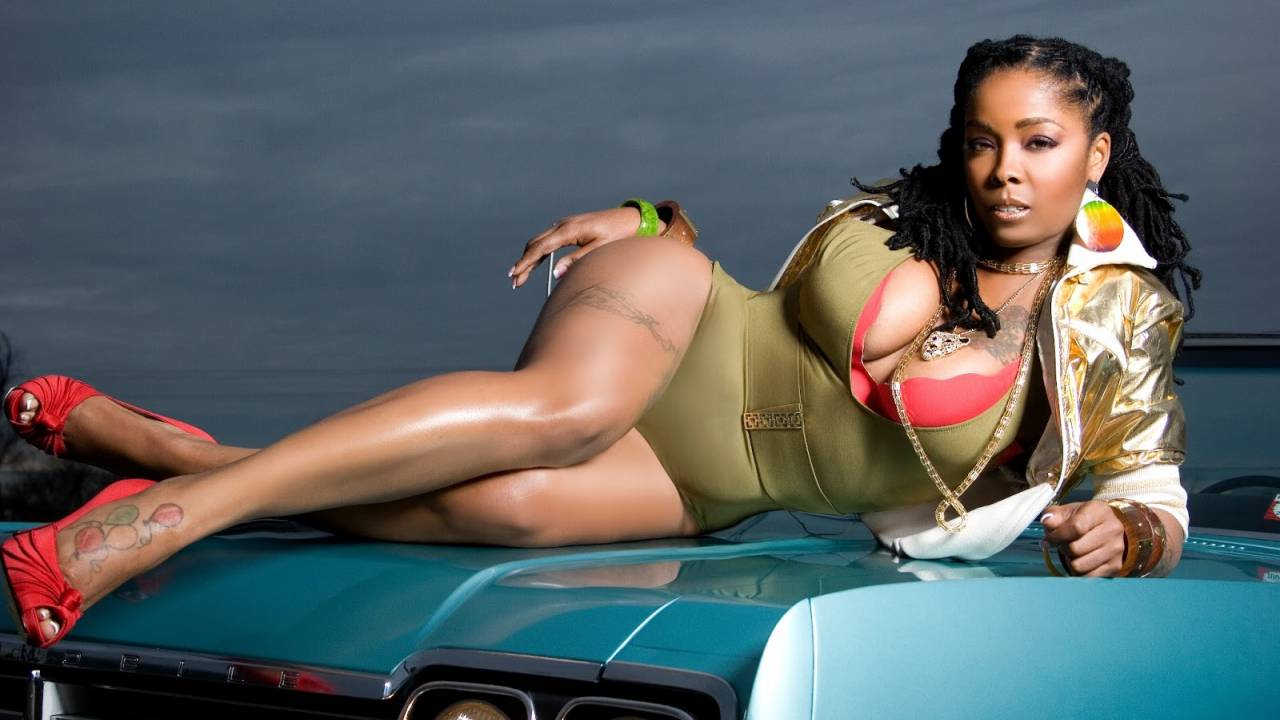 pictures-of-khia-naked-perfect-big-boob-pic