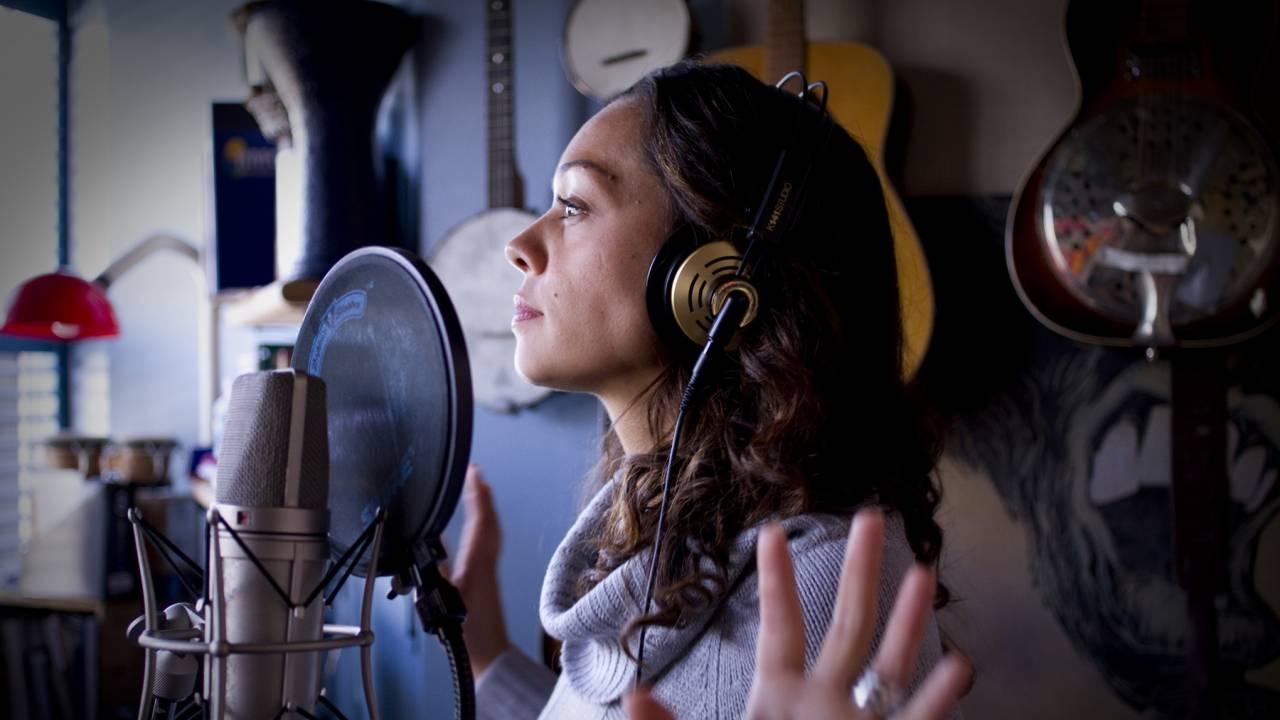 Aline Morales