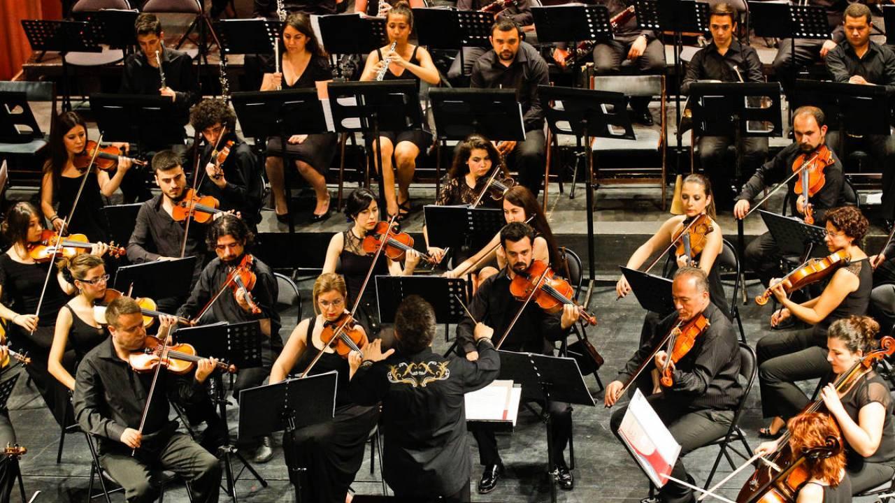 İzmir Devlet Senfoni Orkestrası (İzDSO)