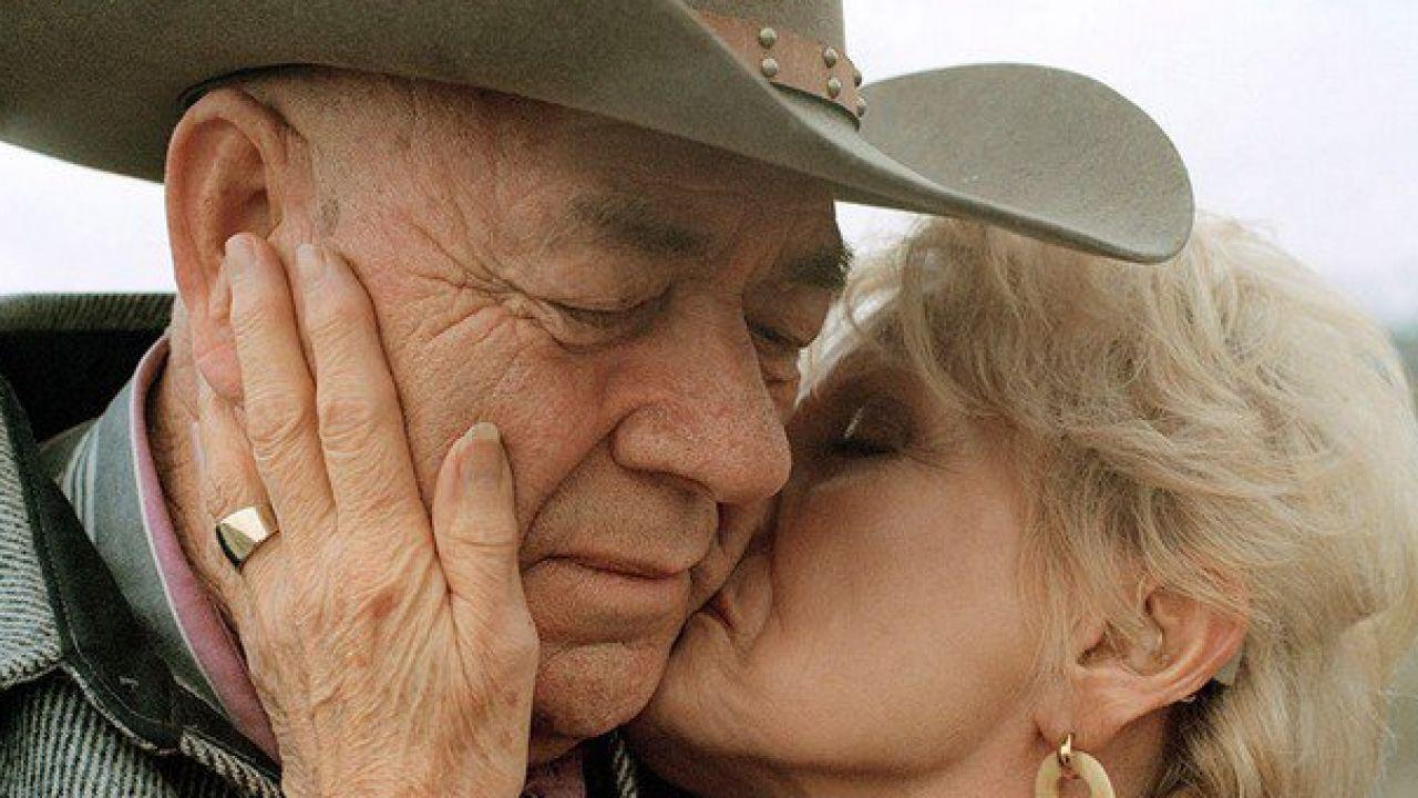 Знакомства с пожилой парой