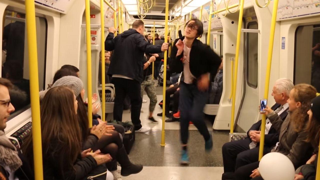 знакомство в метро у