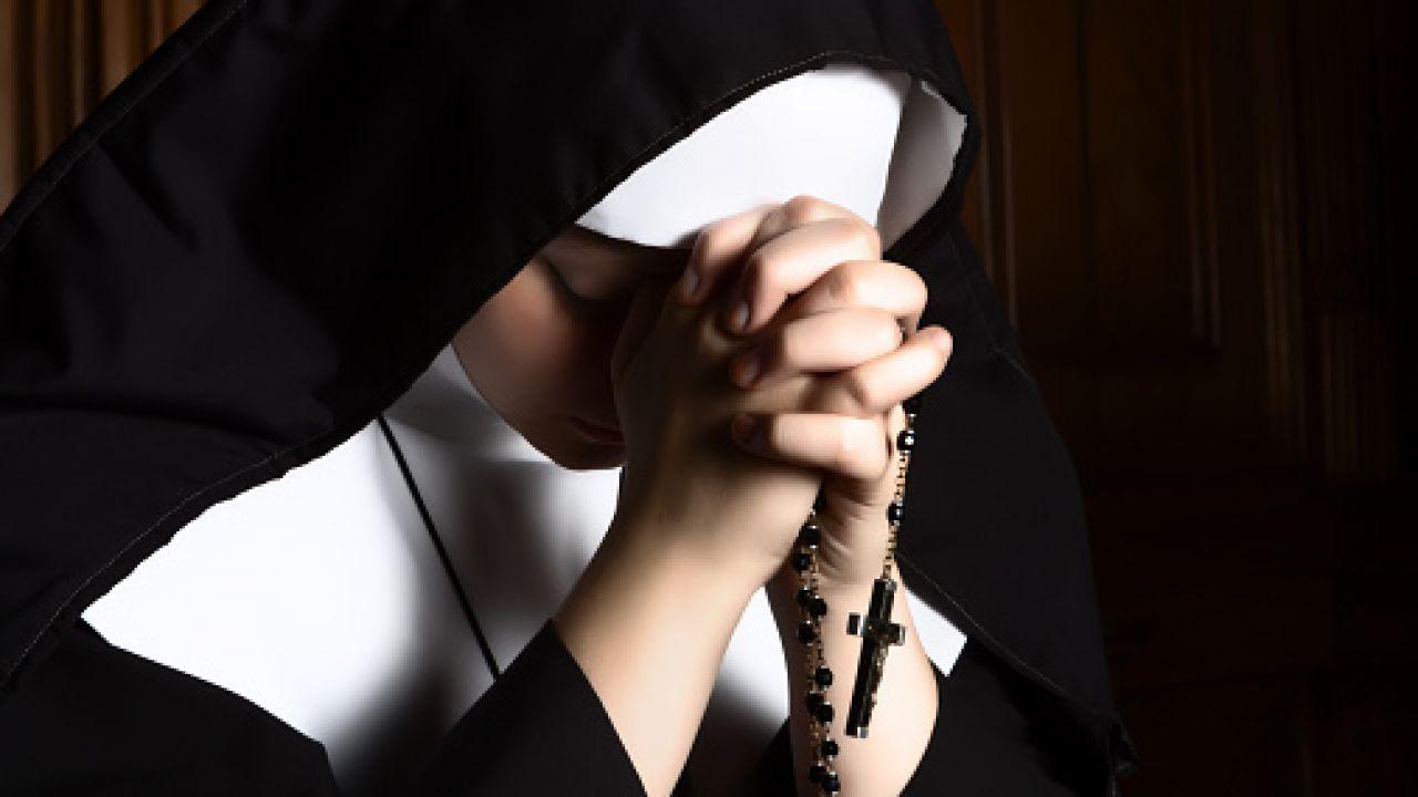 Порнуха онлайн с монашками