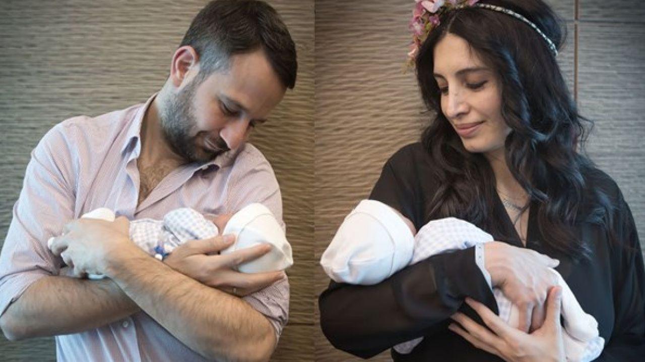 Başak Sayan bebekleriyle poz verdi
