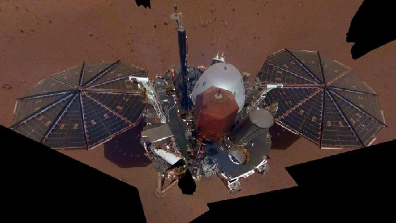 MARS'TAN İLK SELFİE GELDİ!