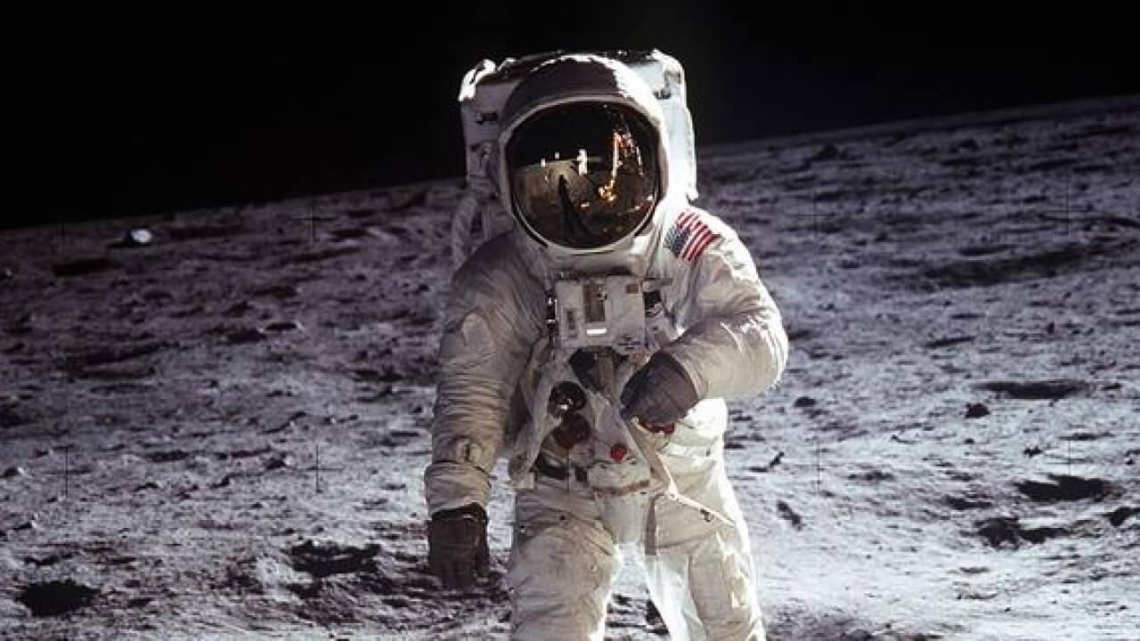 NASA, KOMİK ASTRONOTLAR ARIYOR!