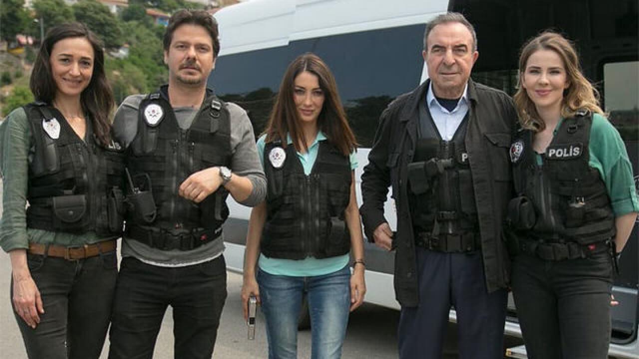 ARKA SOKAKLAR'A 5 YENİ OYUNCU KATILIYOR!