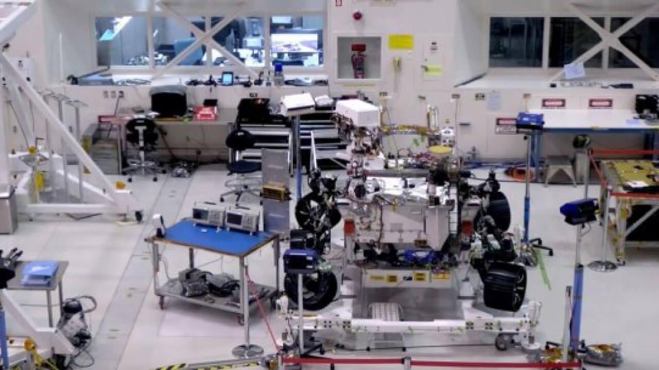 NASA'NIN YENİ MARS ARACINA TEKERLEK TAKILDI