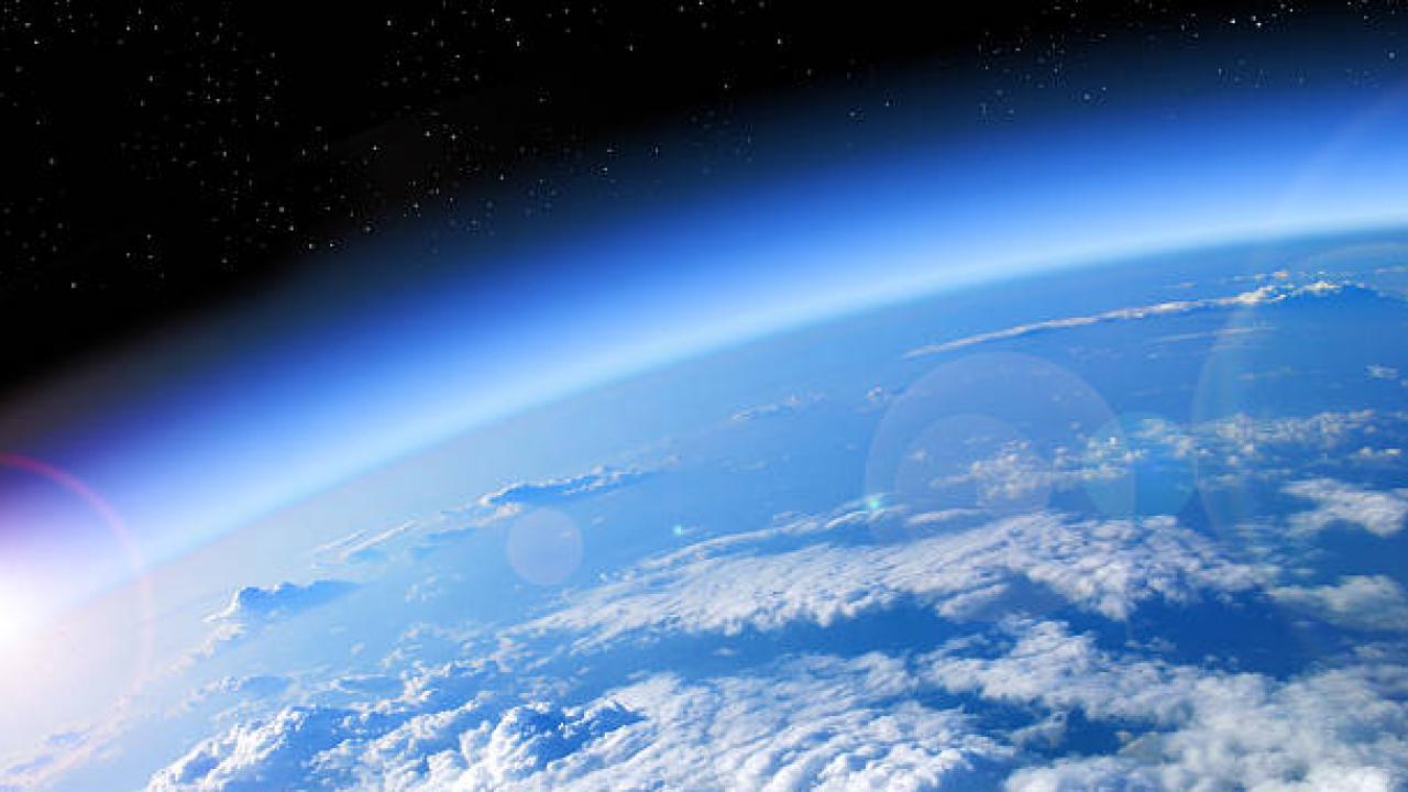 OZON TABAKASINDAKİ DELİK KÜÇÜLÜYOR!